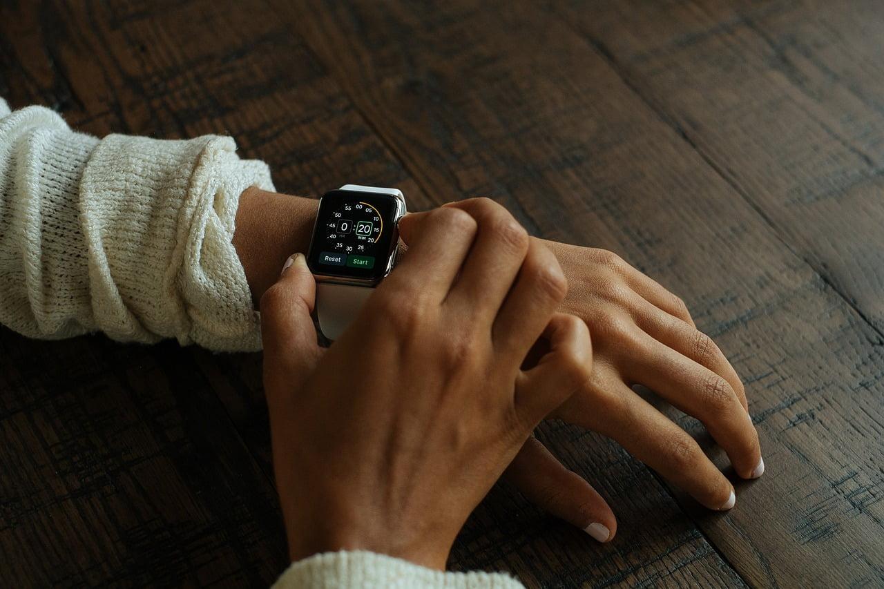 Apple Watch: Seuraa terveyttäsi kotona ja arjen keskellä